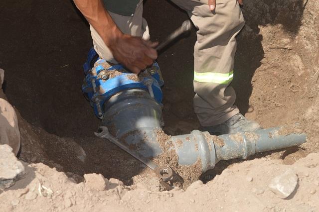 Aguas de Catamarca realizó maniobras para mejorar el servicio en Barrio Potrerillo