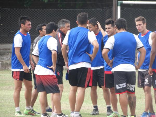 """Jaime recupera cinco jugadores para armar el equipo del """"Defe"""""""
