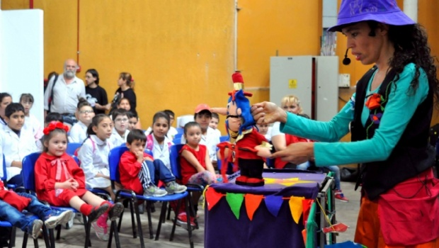 Teatro Va! llega a La Puerta con títeres y clown