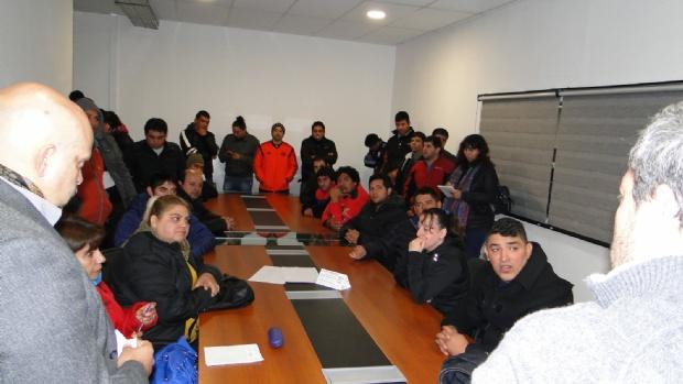 El Gobierno ofreció asistencia a los despedidos de Calzados Catamarca