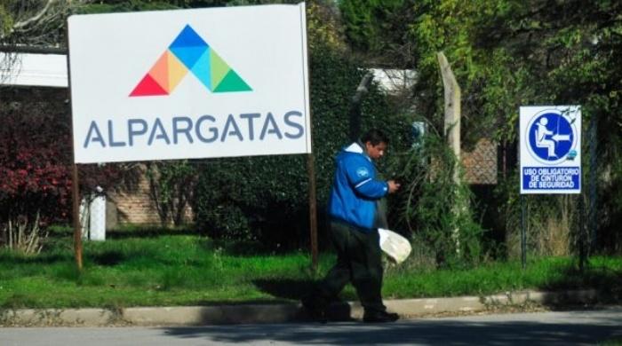 Alpargatas también despidió 73 empleados en La Pampa