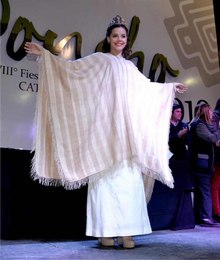 Zulema Gutiérrez ganó el premio al mejor poncho 2018
