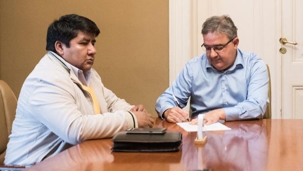 """Jalil firmó convenio para entregar un terreno para la """"Casa de Antofagasta"""""""