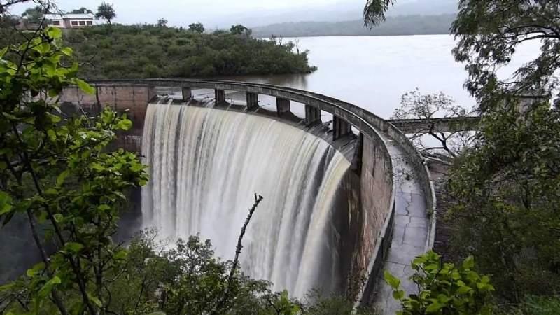 Tras las intensas lluvias los diques aumentan sus niveles
