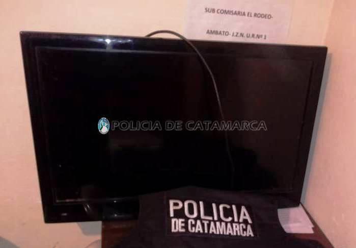 Tras un allanamiento secuestran un televisor de dudosa procedencia en Ambato