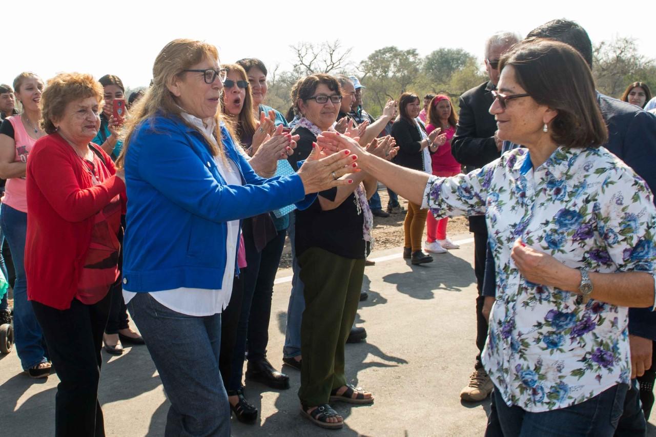 Lucía inauguró las obras sobre el Río Las Cañas