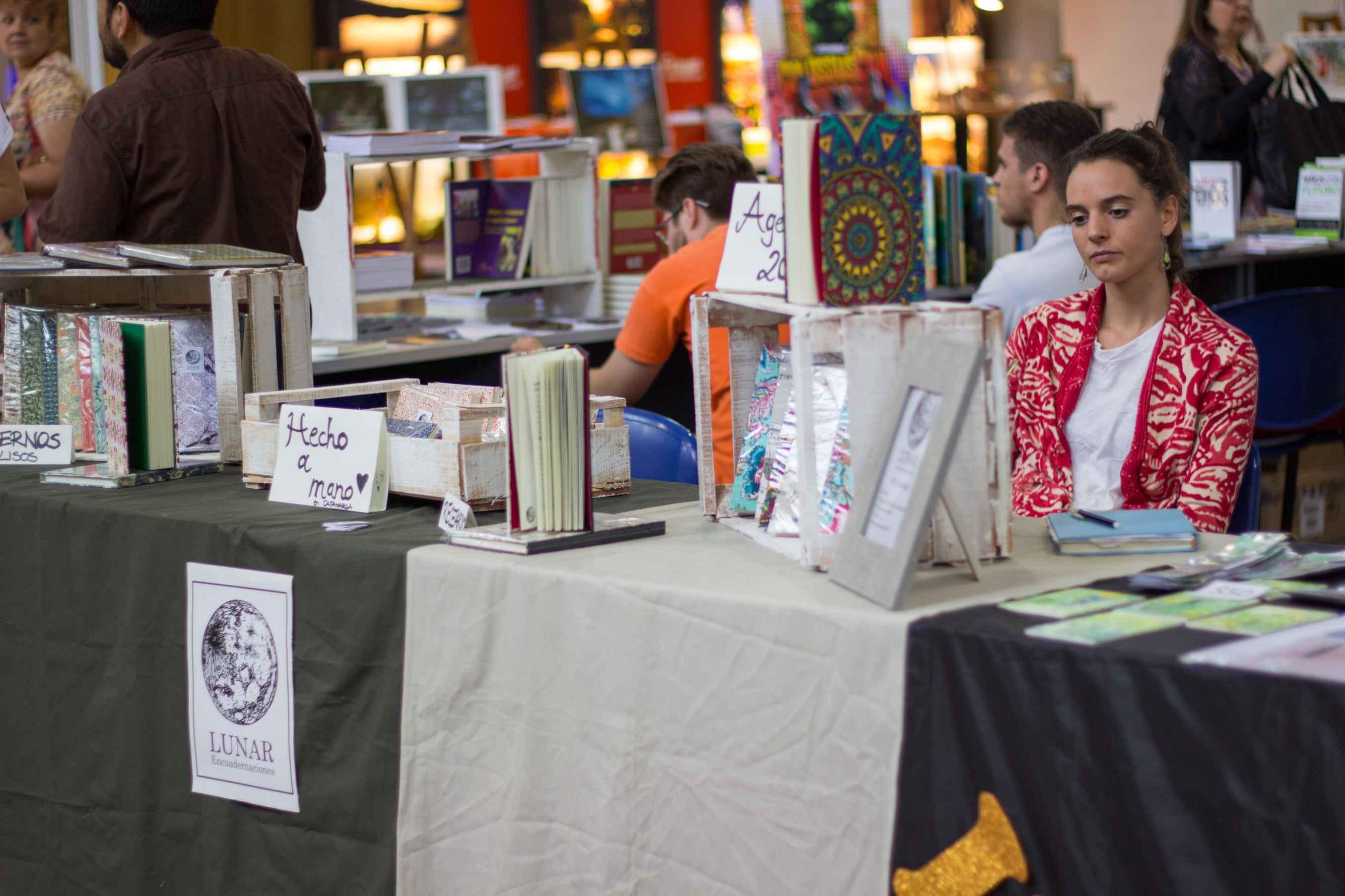 La Feria del Libro, entre editoriales independientes y librerías con grandes títulos
