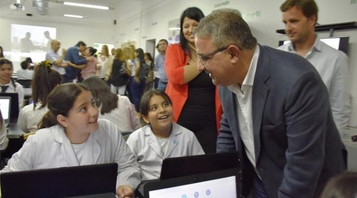 """Jalil inauguró un nuevo """"Punto Digital"""" en la ciudad"""