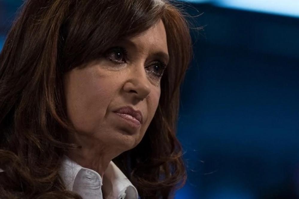 El juez federal Claudio Bonadio dictó el procesamiento con prisión preventiva de Cristina Kirchner