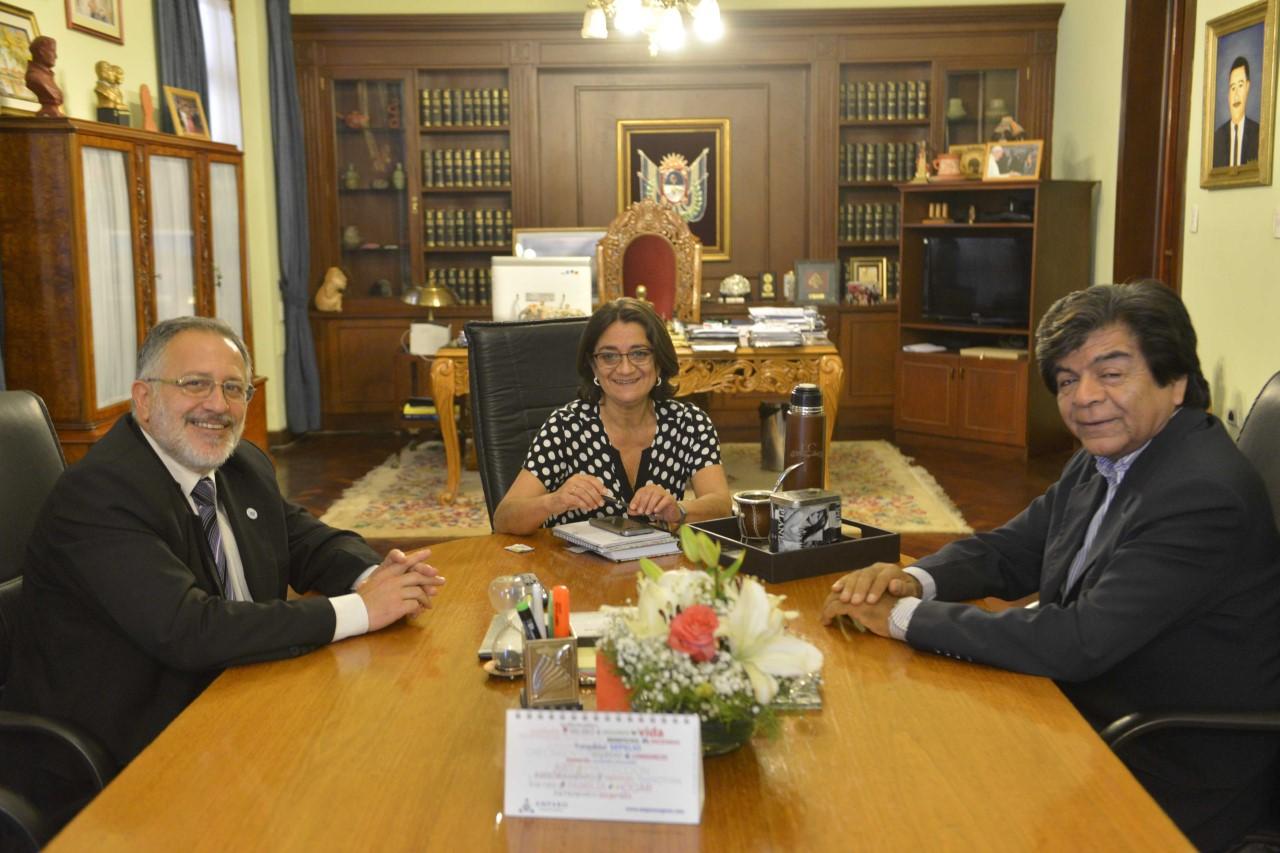 Lucía recibió a las nuevas autoridades del Senado