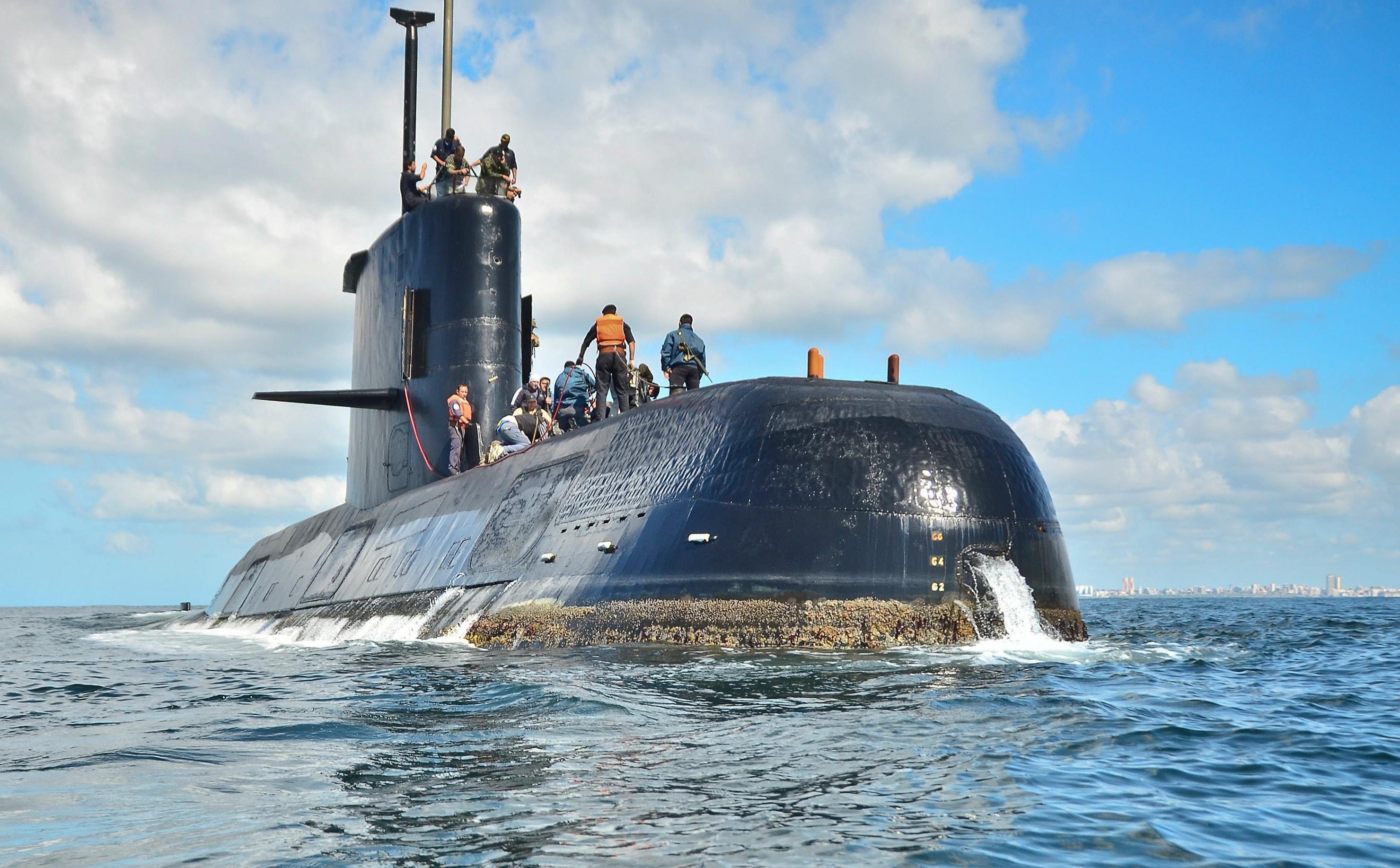 Submarino San Juan: sigue la crisis en la Armada y se fueron dos almirantes más