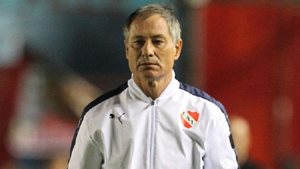 Holan no definió el equipo para enfrentar a San Lorenzo