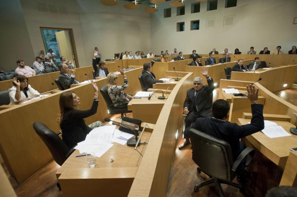 Tucumán: El concejo de la capital acelera la ordenanza del boleto universitario gratuito municipal