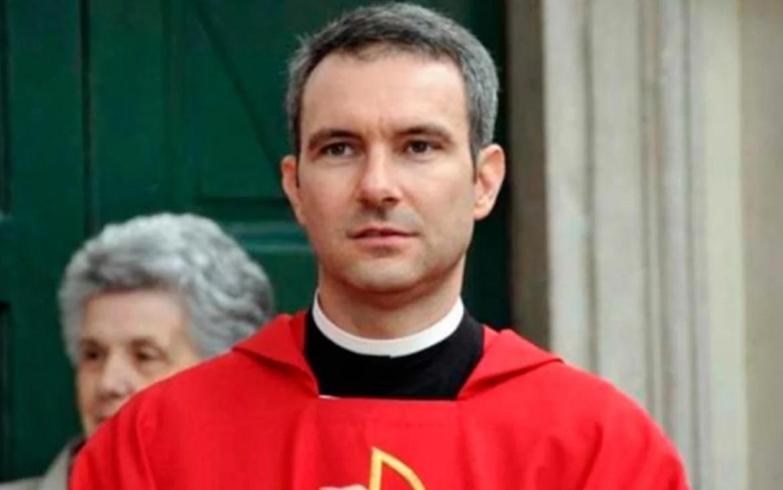 Detuvieron en el Vaticano a un monseñor por caso de pornografía infantil