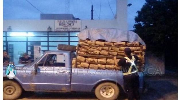 Secuestran más de 400 bolsas de carbón