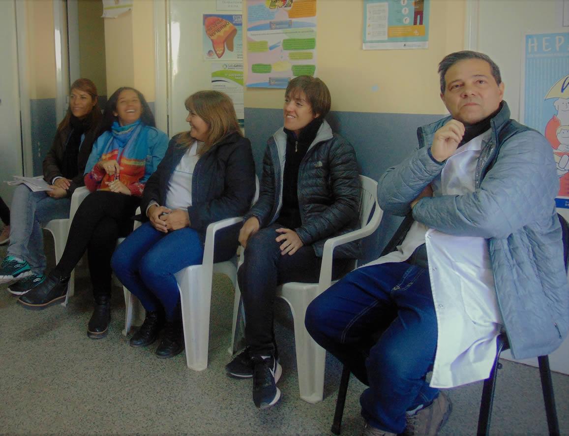 Reunión entre el CUR y el CAPS Villa Cubas para evaluar el trabajo que se viene realizando con el test rápido
