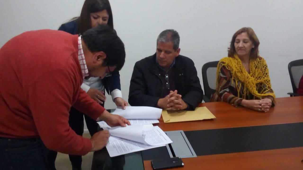SEIS ASPIRANTES HARÁN PRÁCTICAS TEXTILES EN CONFECAT S.A.