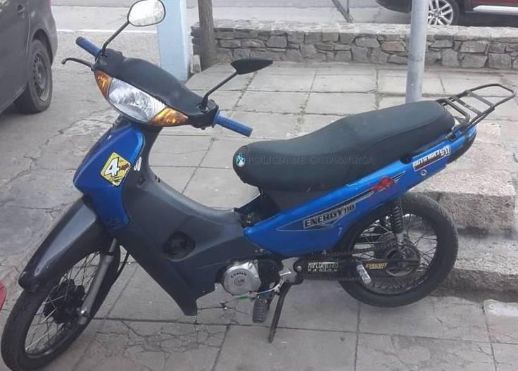 Aprehenden a dos jóvenes y secuestran una motocicleta en Fray Mamerto Esquiú