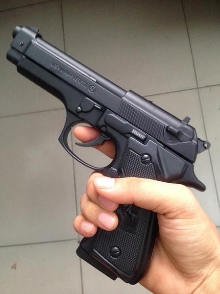 Grave, policía le apuntó con su arma a un turista