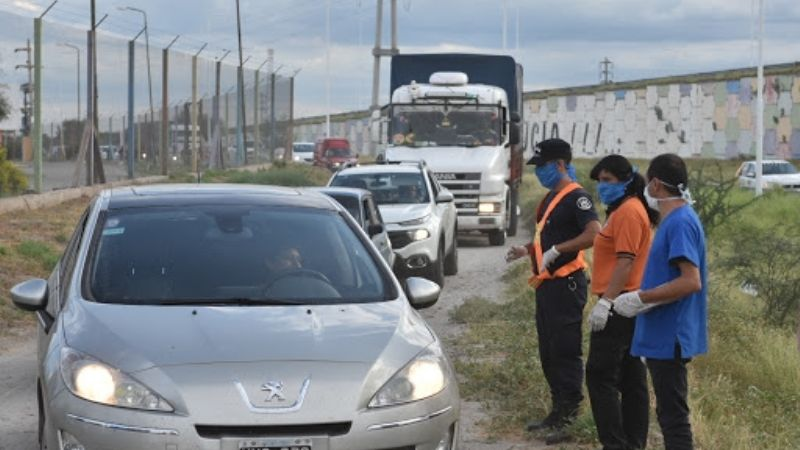 No existen permisos especiales ni autorizaciones de funcionarios para entrar a la provincia