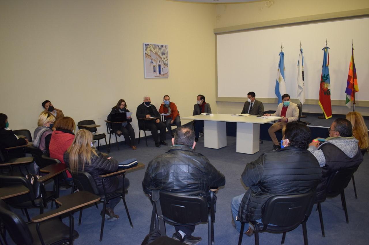 Educación firmó acta con la intersindical docente por la convocatoria a paritaria