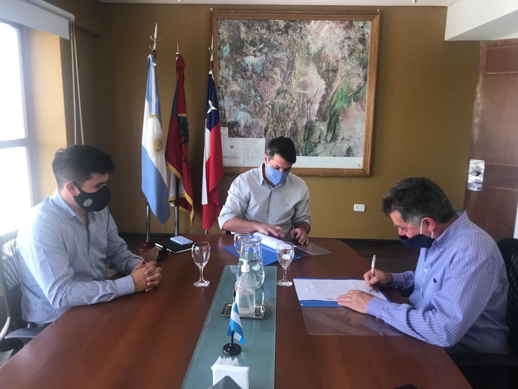 Convenio de cooperación con empresa logística catamarqueña