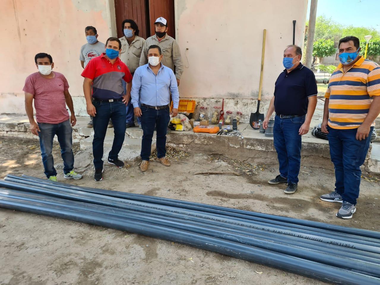 Entregaron materiales y elementos de trabajo a empleados de Agua en Capayán