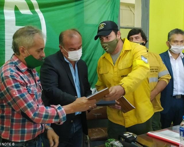 El ministro Moreno recibió un proyecto de Estatuto para Brigadistas