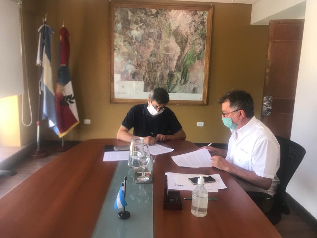 Aicat firmó convenio para impulsar el desarrollo de energías renovables en la provincia
