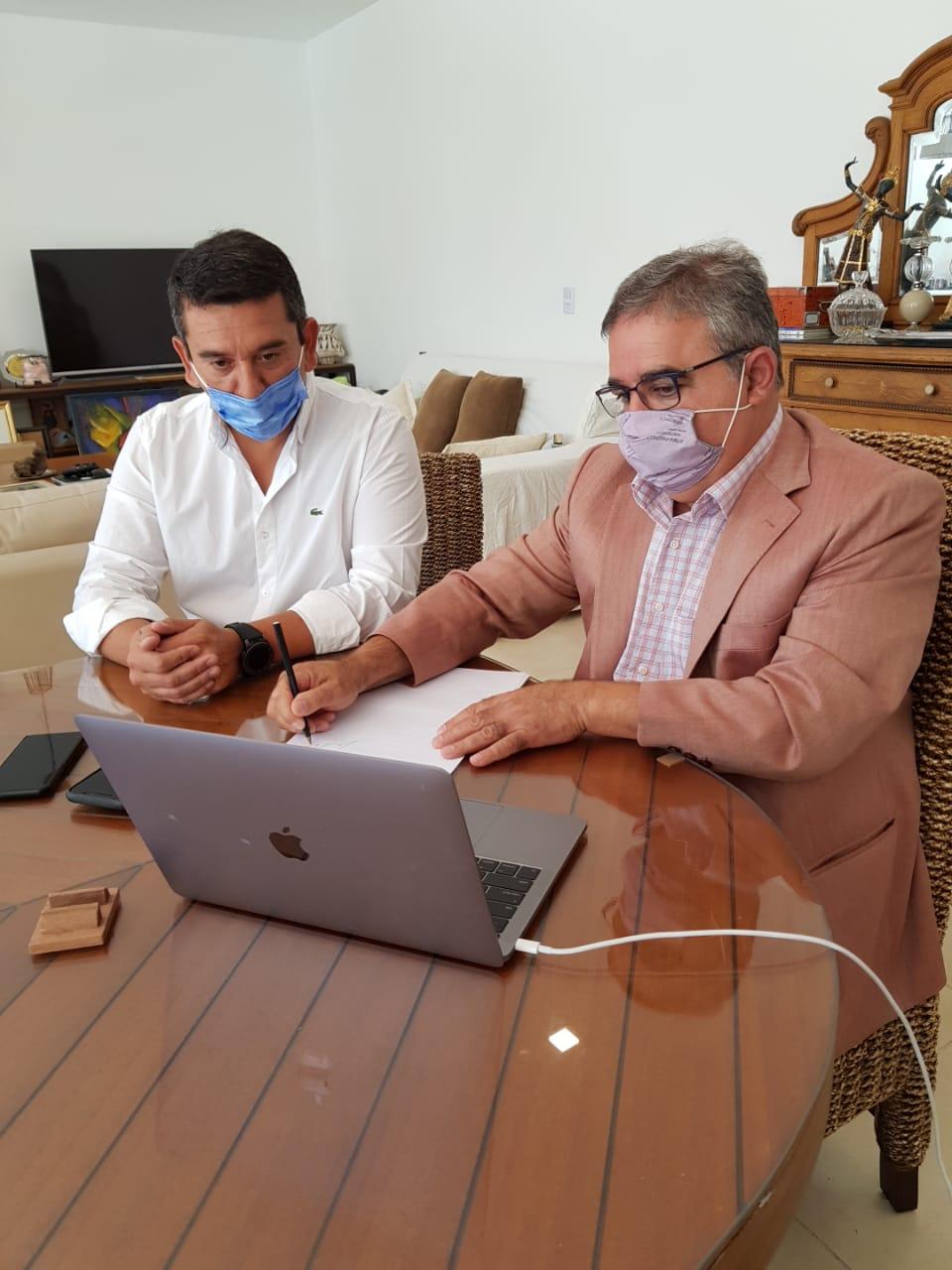 Raúl firmó convenio con ENOHSA para obras de agua y cloacas en toda la provincia por más  de $1.500 millones