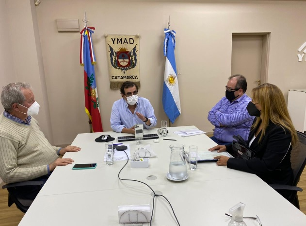 YMAD entregó una camioneta a la delegación municipal de Las Papas
